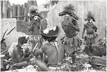 Huli Wigmen Getting Ready to Perform